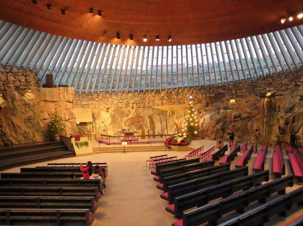 Felsenkirche Innenraum mit Kupferdach