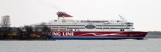 Viking Line hinter den Inseln
