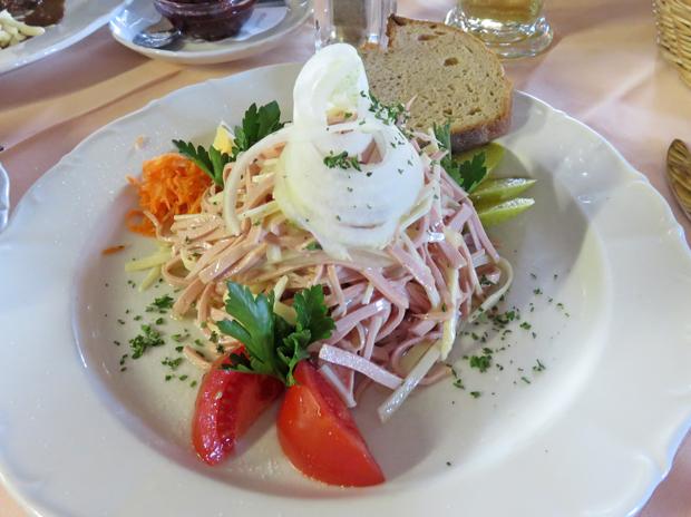 Wurst- Käsesalat nach Schweizer Art
